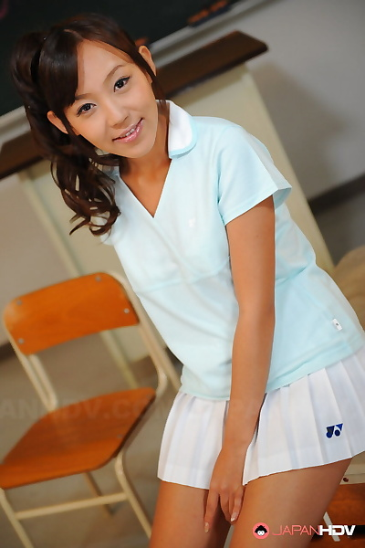 Pigtailed Asian cutie Nagisa..