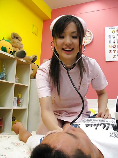 Teen nursing pupil jerks and..