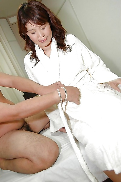 Asian MILF Takako Yanase..