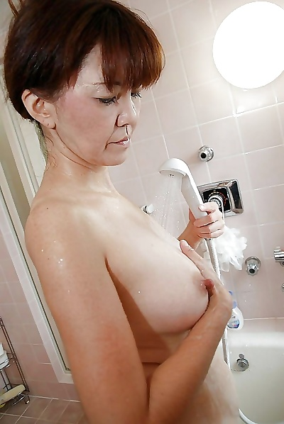 Asian MILF Kimie Kuwata..