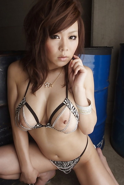 Smoking hot Japanese babe..