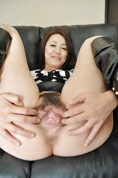 Asian MILF Aya Nakano takes..
