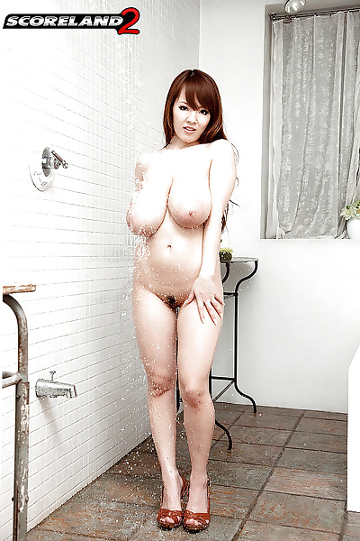 Hitomi Japanese with broad..