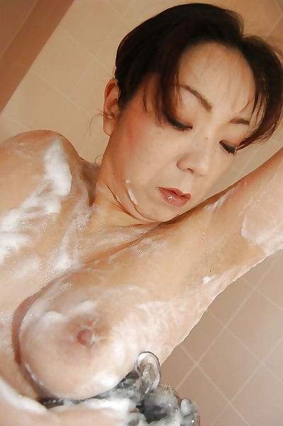 Mature asian laddie Yoriko..