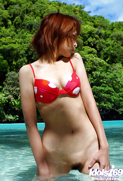 Remarkable asian babe Minami..