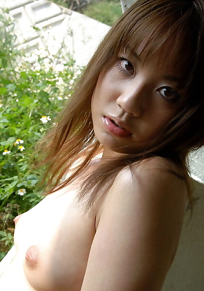 Cute Japanese girl gets lay..